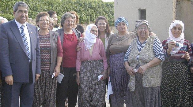 10 KÖYÜ GEZEN CHP'DEN HAL VE KORUK'TA MİTİNG