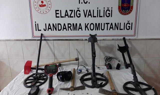 Elazığ'da kaçak kazıya suçüstü: 3 gözaltı