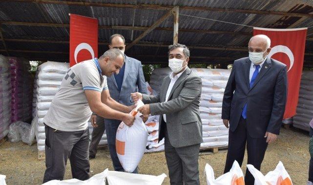 Palu'da çiftçilere yüzde 75 hibeli 28 ton yem bitkisi tohumu dağıtıldı