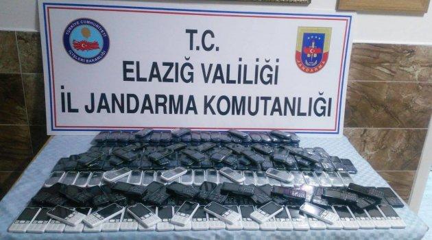 Elazığ'da 239 Adet Kaçak Cep Telefonu Ele Geçirildi