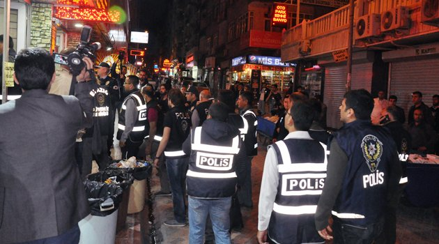 ELAZIĞ'DA 1000 POLİSİN KATILIMIYLA HUZUR OPERASYONU