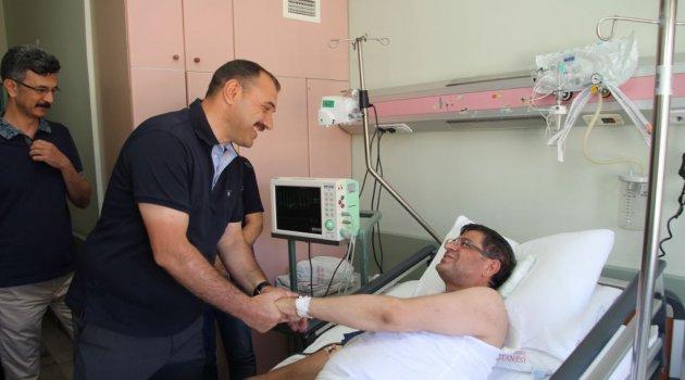 Vali Kaldırım Milletvekili Şaroğlu'nu Ziyaret etti.