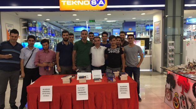 Yazar Ümit Özpolat, Kitabının Gelirini Elazığspor'a Bağışladı